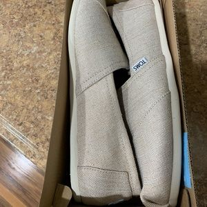 NEW Toms Women's flat